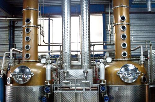 Quelle: DrQuelle: AAGin Berlin Produktionebbel Gin - Destillerie